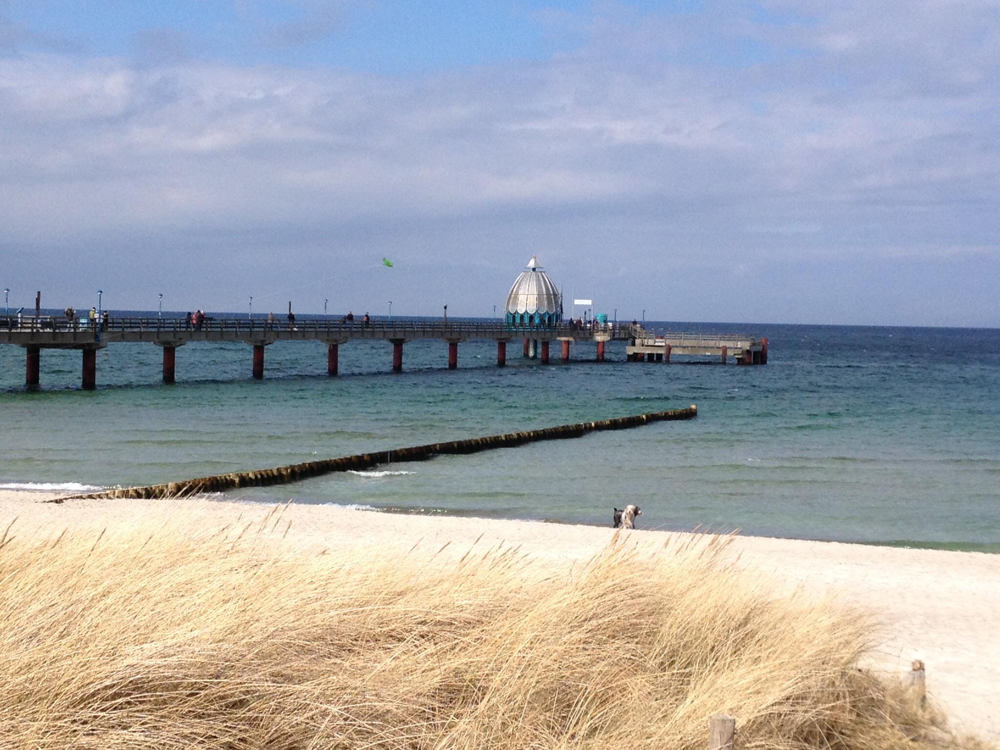 Seebrücke Zingst mit Tauchgondel FeWos Del Mar